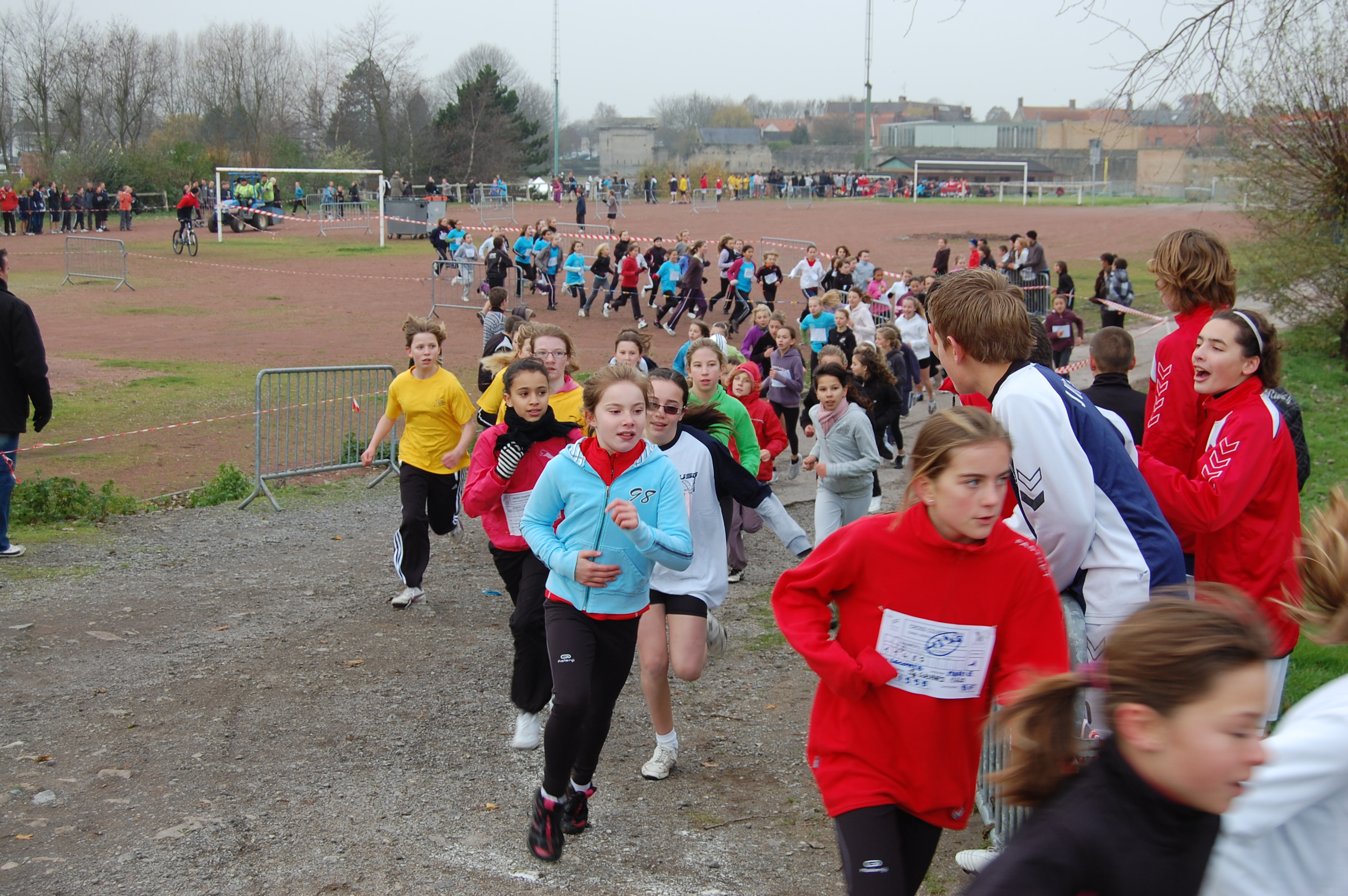Résultats et photos du cross UNSS de district à Bergues